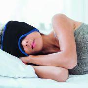 Das bringt die Kopfschmerz-Schlafmaske aus DHDL wirklich (Foto)