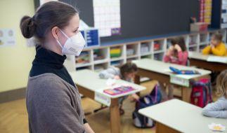 Für Kinder und Jugendliche soll die FFP2-Maskenpflicht fallen. (Foto)