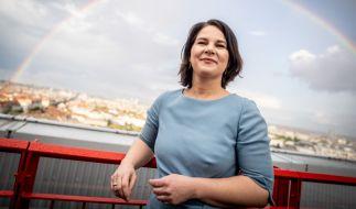 Die Grünen-Kanzlerkandidatin meldet Nebeneinkünfte bis zu 37.000 Euro nach. (Foto)