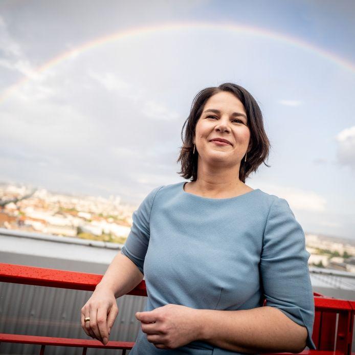 Grünen-Kanzlerkandidatin meldet Nebeneinkünfte bis zu 37.000 Euro nach (Foto)
