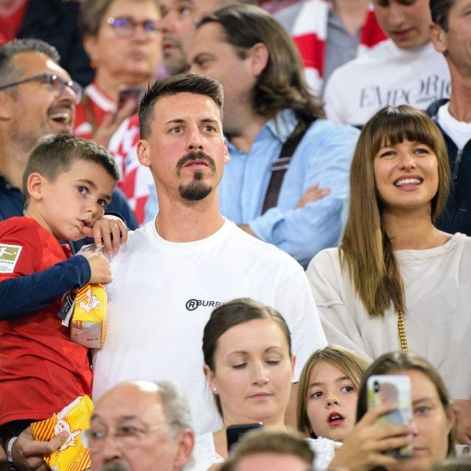 So tickt der Ex-Kicker, Trainer und TV-Experte mit Frau und Kindern (Foto)