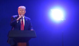 Donald Trump sieht sich mit eine Corona-Klage konfrontiert. (Foto)