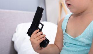 In den USA hat ein kleiner Junge (3) mit einer Schusswaffe auf seine Schwester (2) geschossen (Foto)