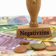 Horror für Sparer! DIESE Banken erheben die höchsten Negativzinsen (Foto)