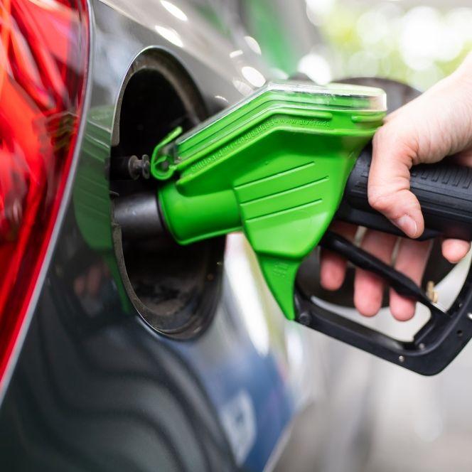 Die Benzinpreise sind im April gestiegen. (Foto)