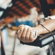 Dürfen Geimpfte kein Blut spenden? (Foto)