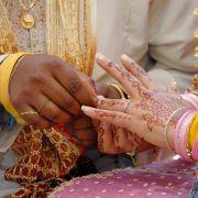 Braut stirbt während Hochzeit - Bräutigam heiratet Schwägerin (Foto)