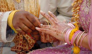 Keine Zeit für Trauer: Nachdem eine Braut in Indien während ihrer Hochzeit starb, nahm ihr Bräutigam kurzerhand seine Schwägerin zur Frau (Symbolbild). (Foto)