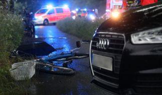 Nach einem Blitzeinschlag ist ein Kind mit seinem Fahrrad in Düsseldorf gestürzt. (Foto)