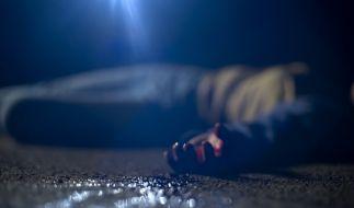 Ein Raser fuhr einen Mann tot und entsorgte seine Leiche im Müll. (Foto)