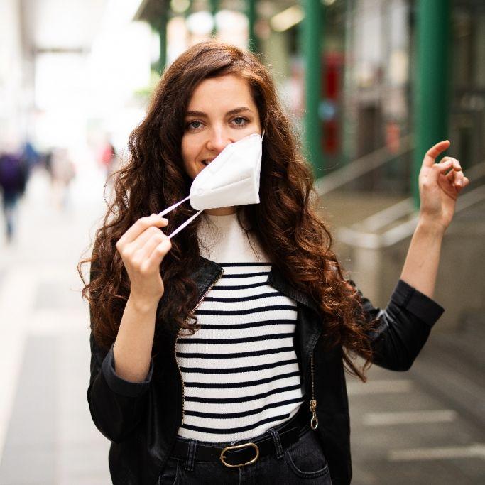 Virologe glaubt: Maskenpflicht könnte bald fallen (Foto)