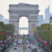 Wout van Aertholt sich den Sieg im Etappen-Finale in Paris (Foto)