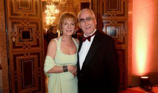 Ex-Bundesfinanzminister Theo Waigel ist in zweiter Ehe mit Frau Irene Epple-Waigel verheiratet. (Foto)