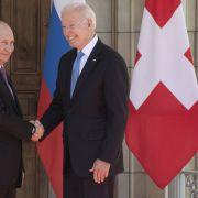 Mit DIESEM Geschenk wickelte der US-Präsident Putin um den Finger (Foto)