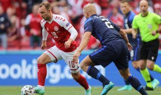 Dänemarks Christian Eriksen in Aktion - der Mittelfeld-Star war im Match gegen Finnland mit einem Herzstillstand kollabiert und musste wiederbelebt werden. (Foto)
