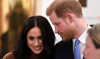 Offiziell sind Meghan Markle und Prinz Harry monatelang in Elternzeit und pfeifen aufs Arbeiten - für Eigen-PR bleibt allerdings genügend Zeit. (Foto)