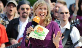 "Andrea Kiewel ist dem ""ZDF Fernsehgarten"" seit dem Jahr 2000 als Moderatorin treu. (Foto)"