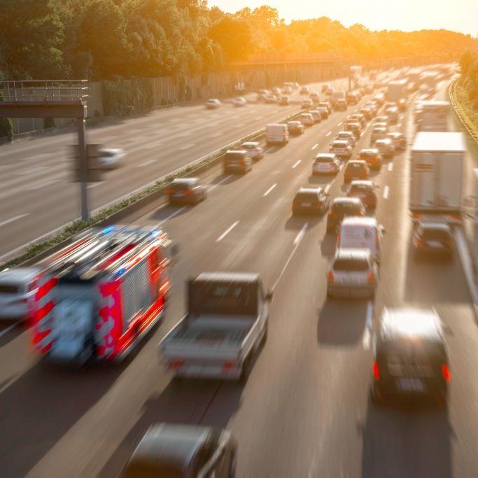 Auto rast auf Lkw! Vier Tote bei Horror-Crash (Foto)