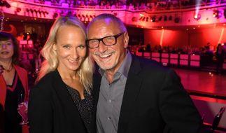 Musiker und Schauspieler Konstantin Wecker mit seiner Frau Annik. (Foto)