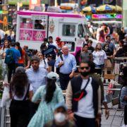Mitten am Tag auf dem Times Square! Tourist (21) in Rücken geschossen (Foto)