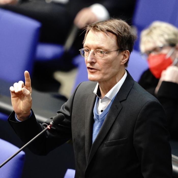 Lauterbach-Appell an Stiko! Wie gefährlich ist das Delta-Virus für Kinder? (Foto)