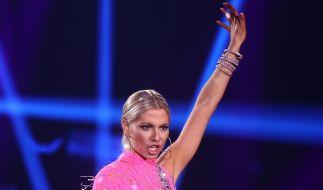 Ihre heißen Tanz-Outfits hat Valentina Pahde mittlerweile gegen knappe Bikinis eingetauscht. (Foto)