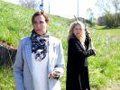 Katrin (Ulrike Frank) ahnt nichts von der Bedrohung Melanies. (Foto)