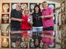 Die Amigos-Familie: Karl-Heinz Ulrich (l.) mit seiner Frau Doris sowie sein Bruder Bernd Ulrich (r.) mit dessen Ehefrau Heike in ihrem Elternhaus. (Foto)