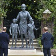 """""""Zu männlich, absolut abscheulich!"""" Royal-Fans spotten über Statue (Foto)"""