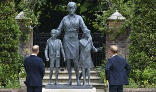 Prinz William und Prinz Harry haben am Donnerstag eine Statue zu Ehren ihrer Mutter Prinzessin Diana enthüllt. (Foto)