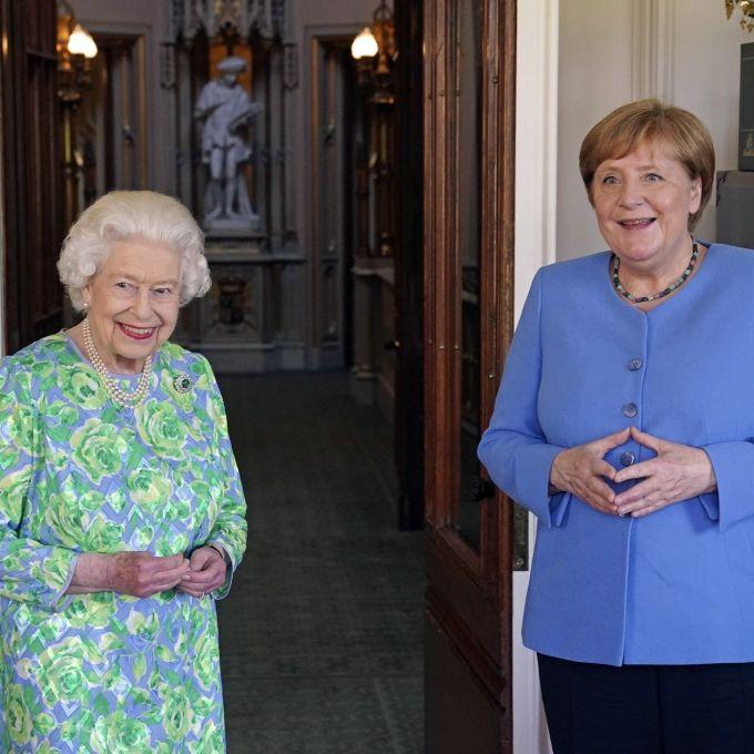 """Nach Privataudienz bei der Queen! Twitter verspottet """"alte"""" Kanzlerin (Foto)"""