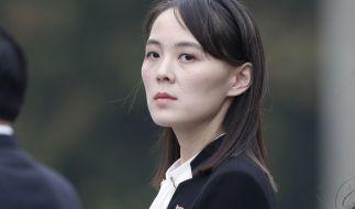 Über Kim Jong-uns Schwester Kim Yo-jong ist offiziell nur wenig bekannt. Hier nimmt sie an einer Kranzniederlegung imHo Chi Minh Mausoleum teil. (Foto)