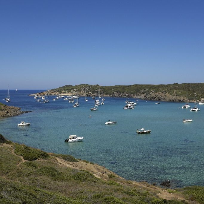 Leichenteile in Bucht der Urlaubsinsel entdeckt (Foto)