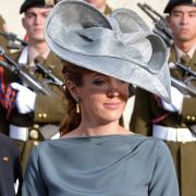 Royales Bond-Girl! Ex-Prinzessin genießt Wellenbad im Bikini (Foto)
