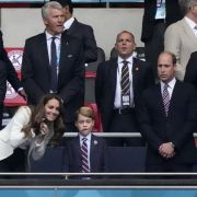 Armer Prinz George! Hier brauchte der Mini-Royal extra viel Trost (Foto)