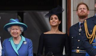 Herzogin Meghan und Prinz Harry haben kaum eine andere Wahl, als die Taufe ihrer Tochter Lilibet Diana in Großbritannien stattfinden zu lassen. Sonst würden sie die Queen indirekt ausladen. (Foto)