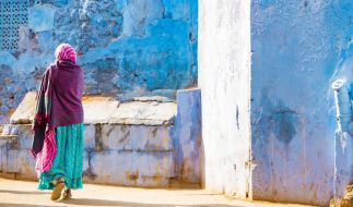 In Indien wurde eine 18 Jahre alte Frau über Tage hinweg von vier Männern unter Drogen gesetzt und immer wieder vergewaltigt (Symbolbild). (Foto)