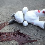 Querschläger dringt durch Hauswand - schlafendes Kind (7) erschossen (Foto)