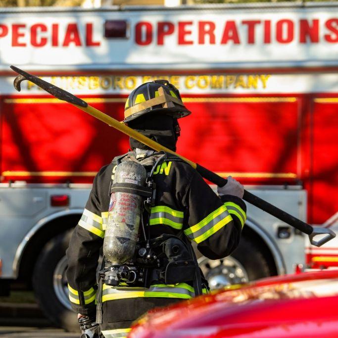 Eingeklemmte Nackte löst Feuerwehr-Großeinsatz aus (Foto)
