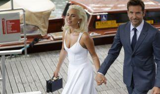 Bradley Cooper zusammen mit Kollegin Lady Gaga bei den Filmfestspielen in Venedig. (Foto)
