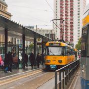 Mann (71) von Straßenbahn erfasst - tot (Foto)