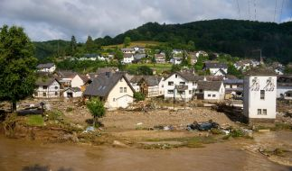 Blick auf den Ort im Kreis Ahrweiler am Tag nach dem Unwetter mit Hochwasser. Mindestens sechs Häuser wurden durch die Fluten zerstört.  (Foto)