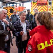 Peinlich! Steinmeier spricht über Flut-Opfer - Laschet lacht im Hintergrund (Foto)