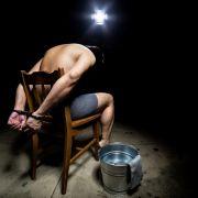 Musste eigene Zunge verzehren!Mann (35) zu Tode gefoltert (Foto)