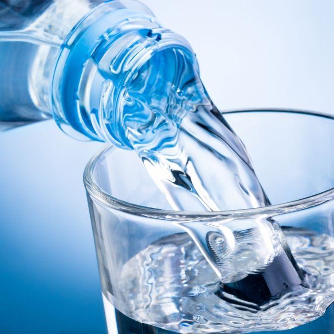 Krebserregendes Benzol! DIESES Mineralwasser fällt durch (Foto)