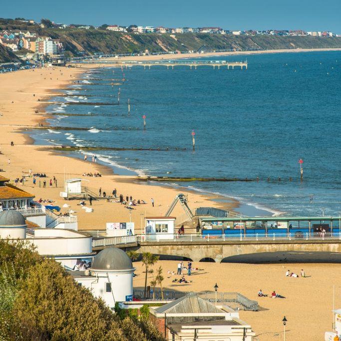 Vor vollem Strand! Mädchen (15) im Meer vergewaltigt (Foto)