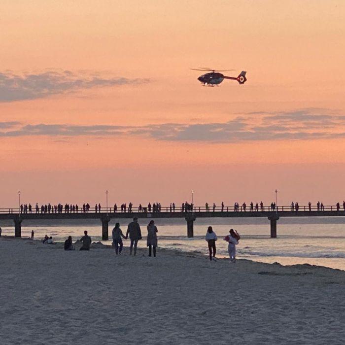 Mutter will Foto schießen - Kind (2) plumpst in die Ostsee (Foto)