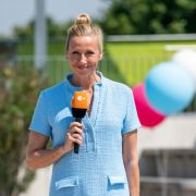 Andrea Kiewel lädt zum Schlagergarten. (Foto)