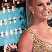 Britney Spears: Oben-ohne-Kracher / Taifun-Angst bei Olympia / Großer Eis-Rückruf (Foto)