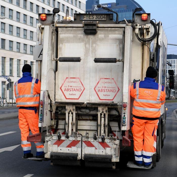 Flüchtlingsmädchen (5) von Müllwagen überfahren - tot! (Foto)